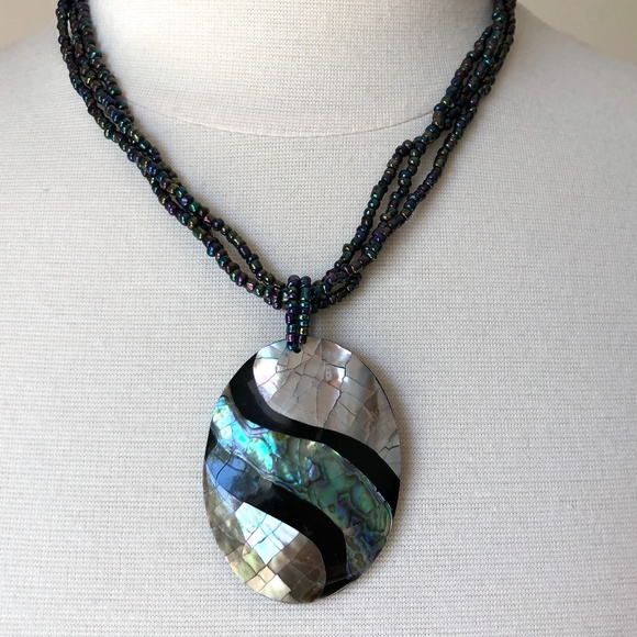 MOTHER OF PEARL SHELL PAUA PENDANTS PEACOCK BEADS necklace